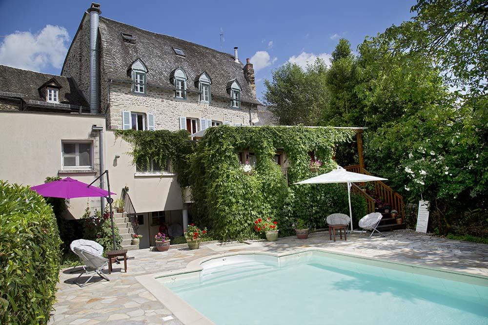 Piscine de l'hôtel à Estaing - Auberge St Fleuret